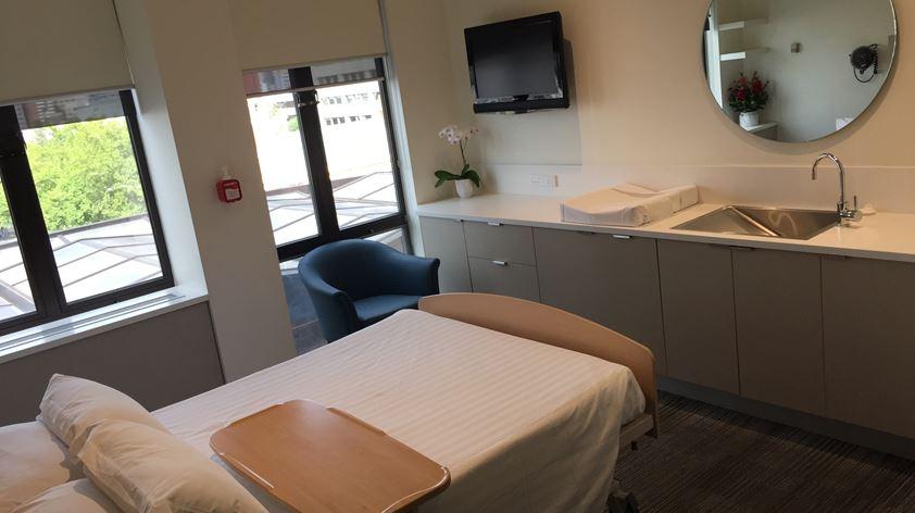 Fitzroy Postnatal Room